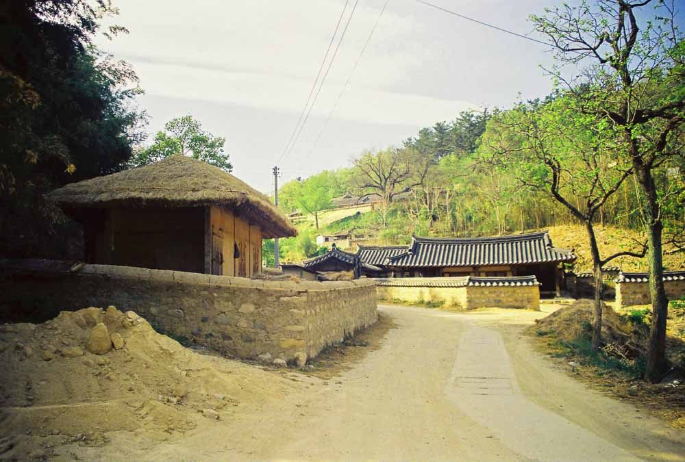 Kansai Time Out. Old Korea. Travel article